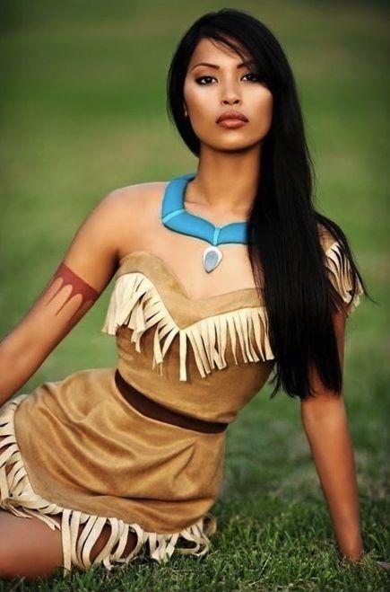 ¡Disfraza de India para Carnaval! Usa materiales en casa para hacer un disfraz de Pocahantas en muy poco tiempo.