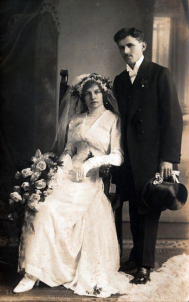 - Vintage Bride -