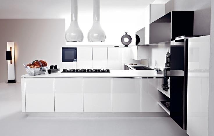 #Ariel in eco-gloss bianco e nero. Ariel in eco-gloss black and white. #Cesar #Cucine #Kitchens
