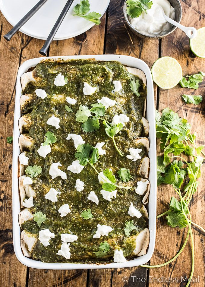 These delicious Green Chicken Enchiladas are stuffed with arroz verde ...