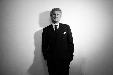 Nel 1988 Claudio Luti diventa proprietario e presidente dell'azienda. Luti concentra la sua strategia sul prodotto, portando avanti una ricerca sul progetto basata sulla qualità, privilegiando la percezione tattile e sonora delle superfici e avvalendosi della collaborazione dei più rinomati designer internazionali.
