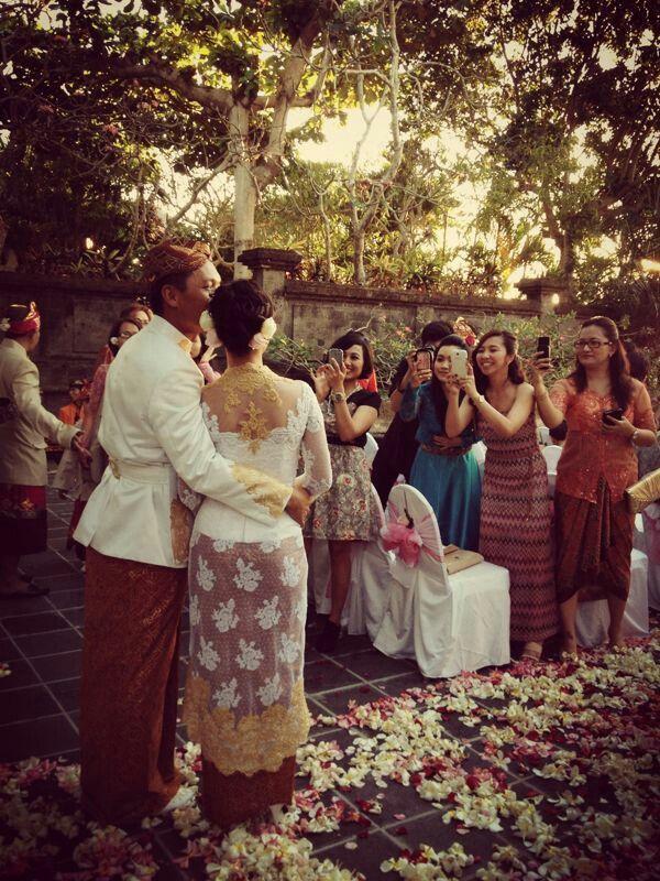 Sundanese bride in Bali