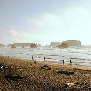 """Sunset's 10 """"best unsung beach towns""""...featuring Astoria, Bandon, Cannon Beach, Depoe Bay & Newport."""