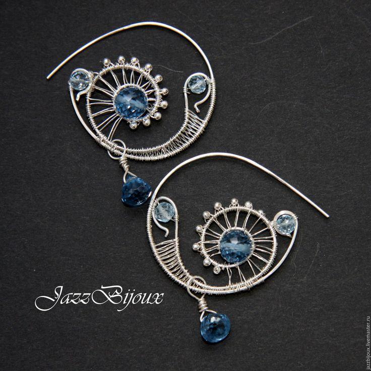 Купить Серебряные серьги-кольца с голубой шпинелью и топазом - подарок девушке, подарок женщине