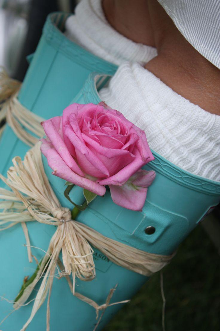Loving the aqua!....wedding wellies #ikonworksweddingcompetition @ikonworks