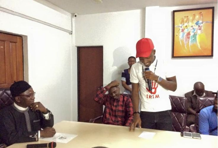 """The Big Brother Naija 2017 Winner, Efe Ejeba becomes youth Ambassador in the Ministry of Youth & Sports.  Based on logistics """"Efe"""" visited the Minister of Youth & Sports """"Solomon Dalung"""" in his office where he was decorated as """"Nigerian Youth Ambassador""""  See Photos And Video:       WATCH VIDEO:   #Ambassador #Efe #Efe Ejeba #News #Youth Ambassador"""