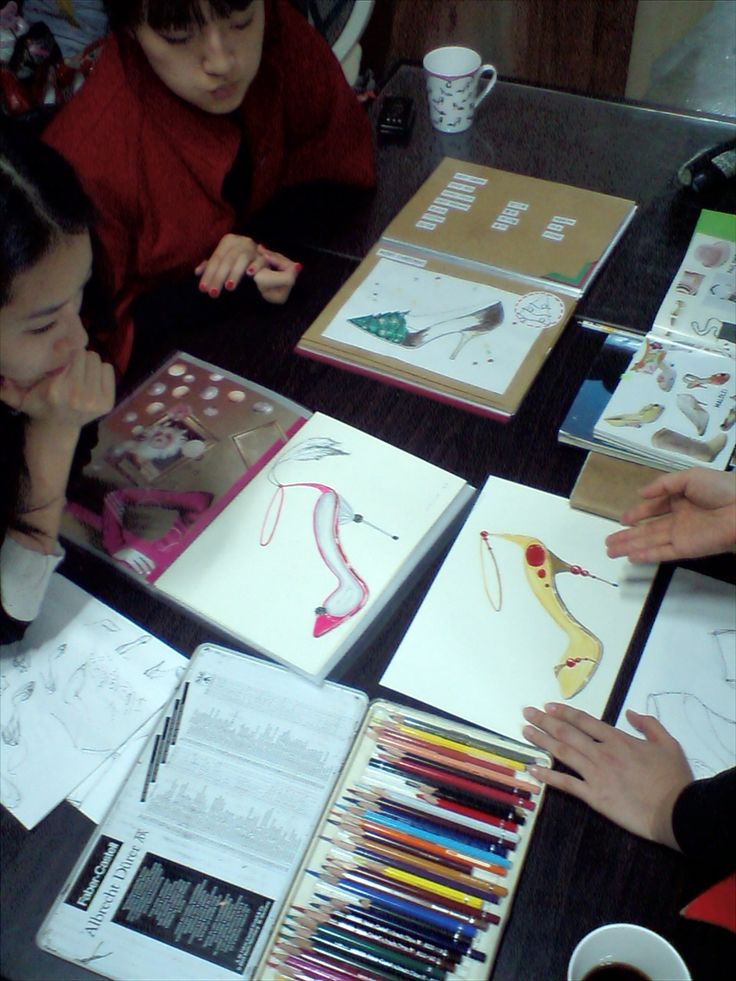 Kyumbie shoe-design class
