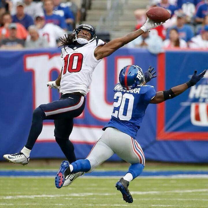 "DeAndre ""Nuk"" Hopkins makes an one handed catch!!! Bebe'!!! Former Clemson wide receiver!!!"