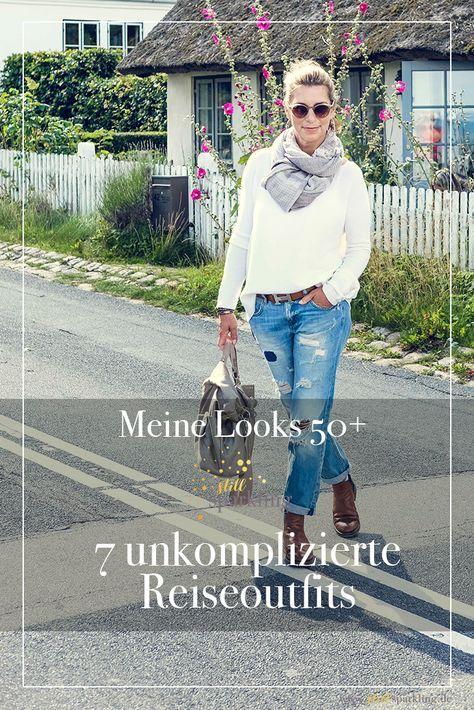 Lässig unterwegs in ripped Jeans. #Fashion #50+ #lässig #rippedjeans – Outfits