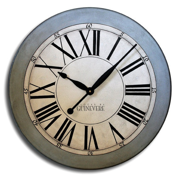 I would like a large clock in my next apartment.