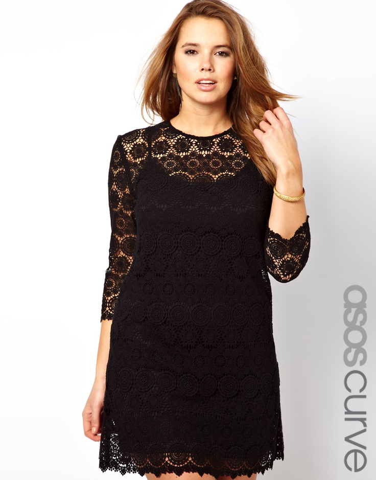 obsessed with lace, and this ASOS Curve dress is no exception. It's regular fit, not body-con. Yay! #plussize