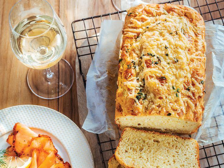 Cuisiner ensemble | Magazine SAQ : Le goût de partager  Cake salé au vin blanc