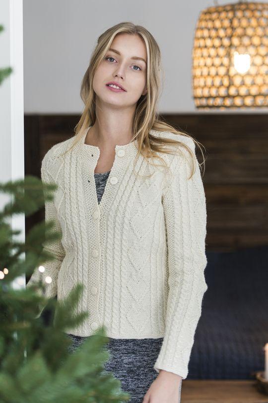 Naisen palmikkoneuletakki Novita 7 Veljestä   Novita knits