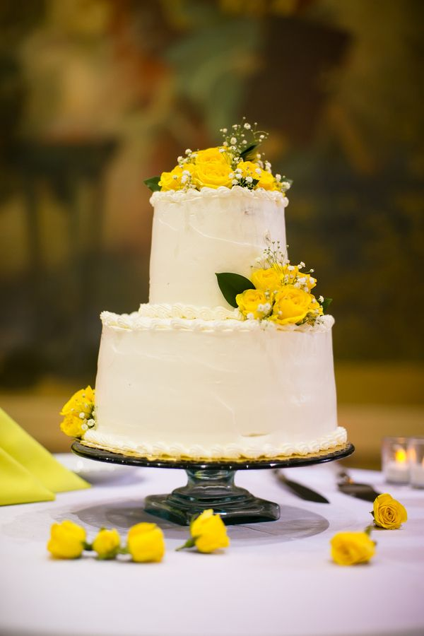 Classic and floral - Yellow wedding cake
