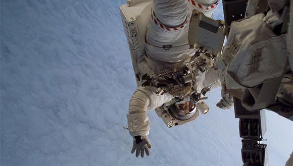 First Spacewalk for Astronaut Steve MacLean - Canada hiring new Astronauts - How to become an Astronaut