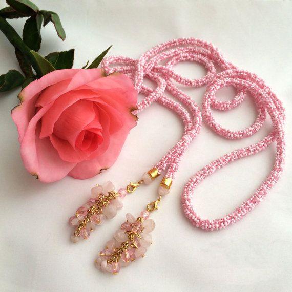 Long rose quartz beaded lariat necklace. Long knitted от Amikkaru