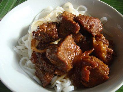J'aime cuisiner des wok et des saveurs asiatiques. Ici, voici un porc au caramel léger ... Pour 4 pers 6 pp / pers (pour celles et ceux qui font weight watchers) -400 g de filet mignon -1 c à s de sauce soja -1 c à c d'huile d'olive -50 g de sucre -50...