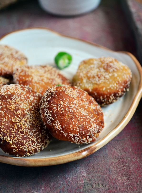 {New post}. Easy bread cutlet in 15 minutes! Quick and easy finger food,after school snack, quick snack for unexpected guests,step by step vegan recipe @ http://cookclickndevour.com/2015/03/bread-cutlet-recipe.html