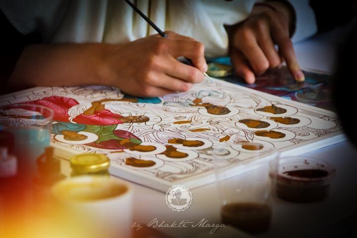 Painting Meditation with Saints: Three Marys | Bhakti Marga Monday, Apr 10, 2017  09:30 h to 21:00 h