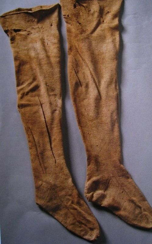 Man's stockings, knitted, mid 16th century (San Domenico Maggiore, Naples).
