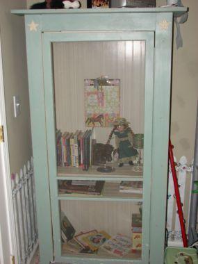 Cabinet from old window screen - JUNKMARKET Style