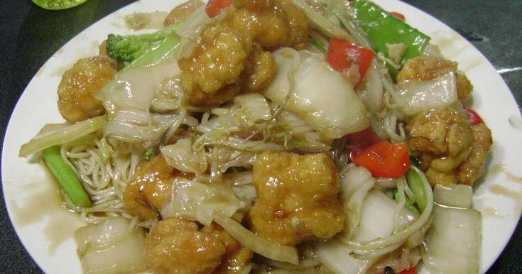 TALLARIN SALTADO CHINO     Ingredientes :  500 g ( 1 lb) de fideos chinos cocidos, 350 g (½ lb) de pollo o chancho asado, cortado e...