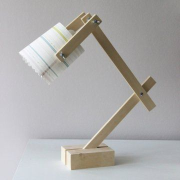 Une lampe de bureau récup' / Recycling desk lamp