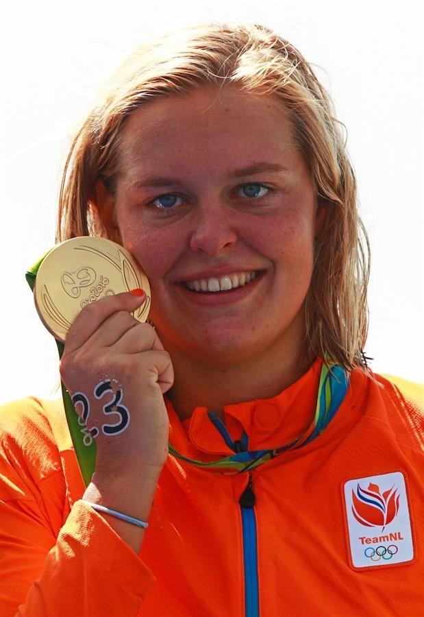 Goud voor Sharon van Rouwendaal op de 10 km open water zwemmen.   Rio 2016 © Adam Pretty
