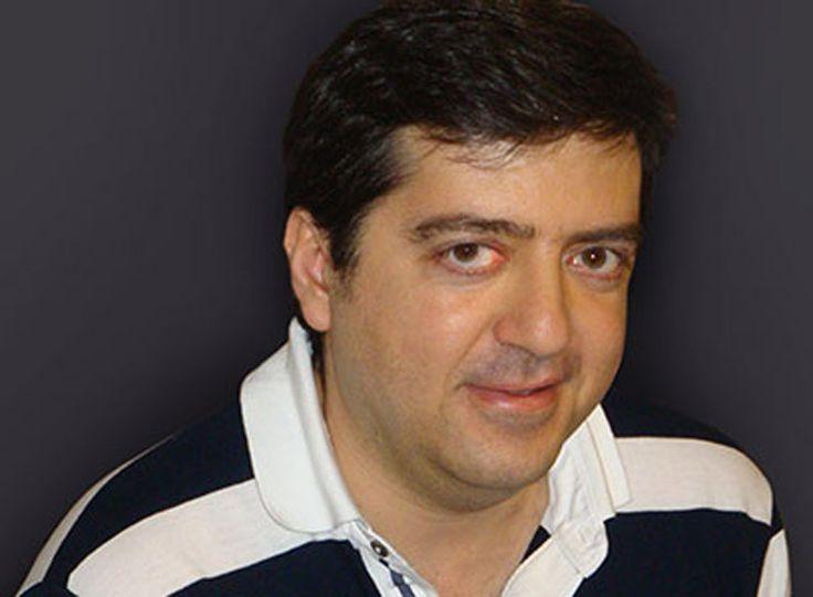 Με το εκπαιδευτικό-συγγραφέα Γιάννη Ζαχαρόπουλο συνομίλησε στη ραδιοφωνική του εκπομπή «Μιλάμε για το βιβλίο», στο Ράδιο 1 του Βόλου, ο συγγραφέας Διονύσης Λεϊμονής.