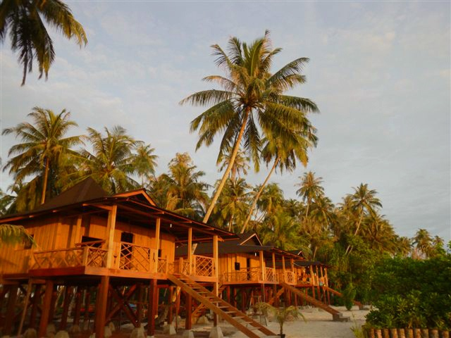 Beach side #bungalows at Telo 101 in Sumatra.