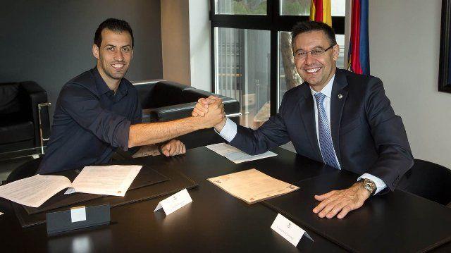 Liga Spanyol: Busquets Perpanjang Masa Bakti Di Barcelona Hingga 2021 -  http://www.football5star.com/liga-spanyol/barcelona/liga-spanyol-busquets-perpanjang-masa-bakti-di-barcelona-hingga-2021/89322/