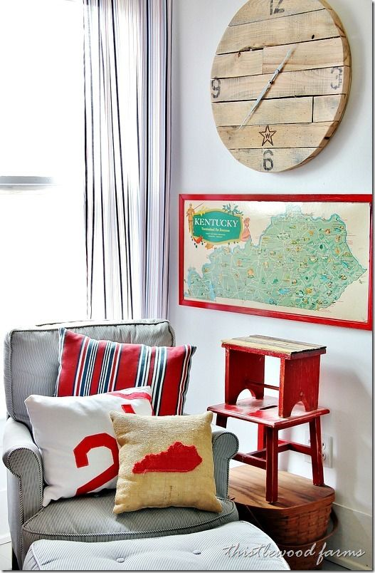 look at this stool and pallet wood clock - Six Simple (and Some Not So Simple) Pallet Projects - Thistlewood Farms