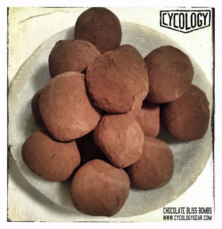 Super healthy chocolate bliss bombs. Easy to make - only 3 ingredients.  400gms (@ 3 cups) of dried dates 100gms (@ 1 cup) walnuts 30gms (@ 4 Tbsp) Cacao powder