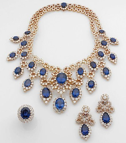 Magnificent set of Demi Parure of Sapphire and diamond!
