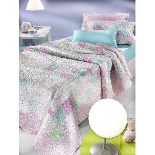 Σετ κουβερλί  Wonderland Lizzie για μονά κρεβάτια με διακοσμητική μαξιλαροθήκη για να διακοσμήσετε κοριτσίστικα δωμάτια.   Το σετ περιλαμβάνει 1 κουβερλί διαστάσεων 1.60x2.40 και 1 διακοσμητική μαξιλαροθήκη διαστάσεων 50x70 καπιτονέ oxford.