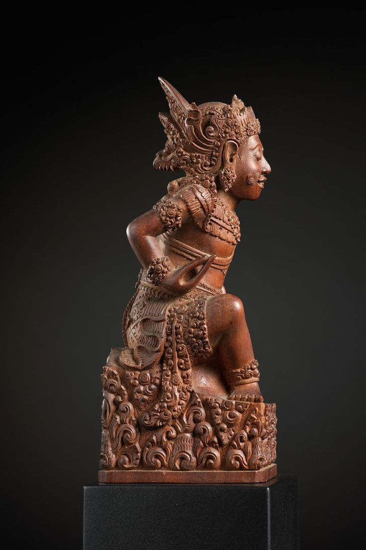 Portrait of a Deity or Priest 10937 Bali, Indonesia Wood 19th/early 20th Century - Thomas Murray - Asiatica ethnographica