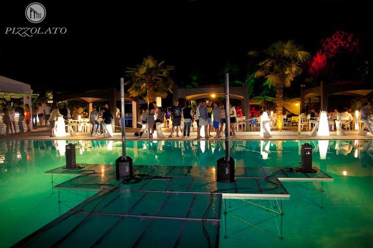 #Sand, #ristorante, #piscina, #bar: ecco il locale affollato dai #Bio-curiosi!