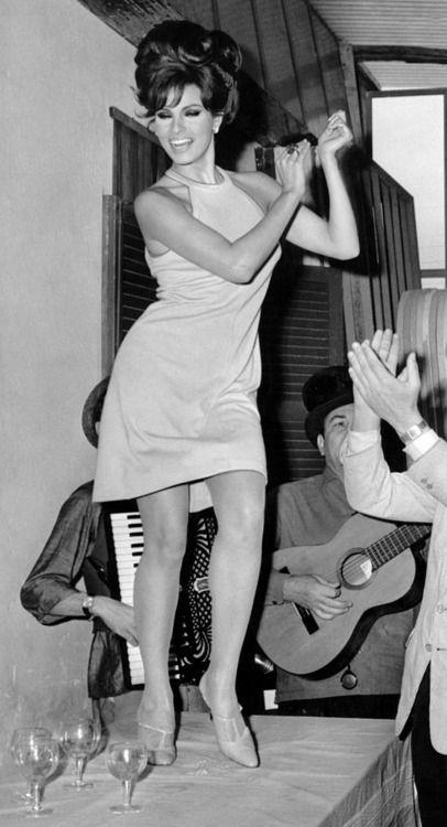Marcello Mastroianni and Raquel Welch, 1966.