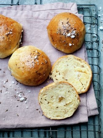 Enjoy this delicious bath bun recipe, a classic dessert that is delightfully sweet and a Jane Austen favourite that is sure to soon be one of yours too.