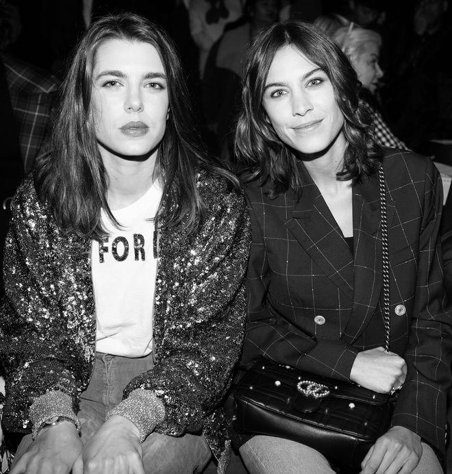Charlotte Casiraghi et Alexa Chung au défilé Gucci automne-hiver 2017-2018 à Milan