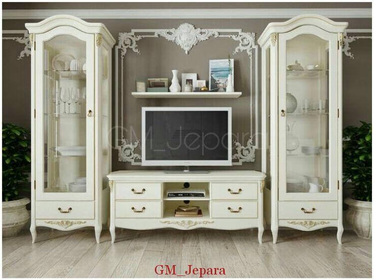Bufet Kaca Hias Tv Modern Putih memiliki tampilan anggun yang cocok anda jadikan sebagai pelengkap livingroom anda.