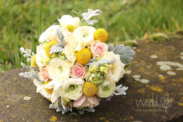 Eleganter Vintage-Brautstrauß in Weiß-Gelb. www.weddstyle.de/...