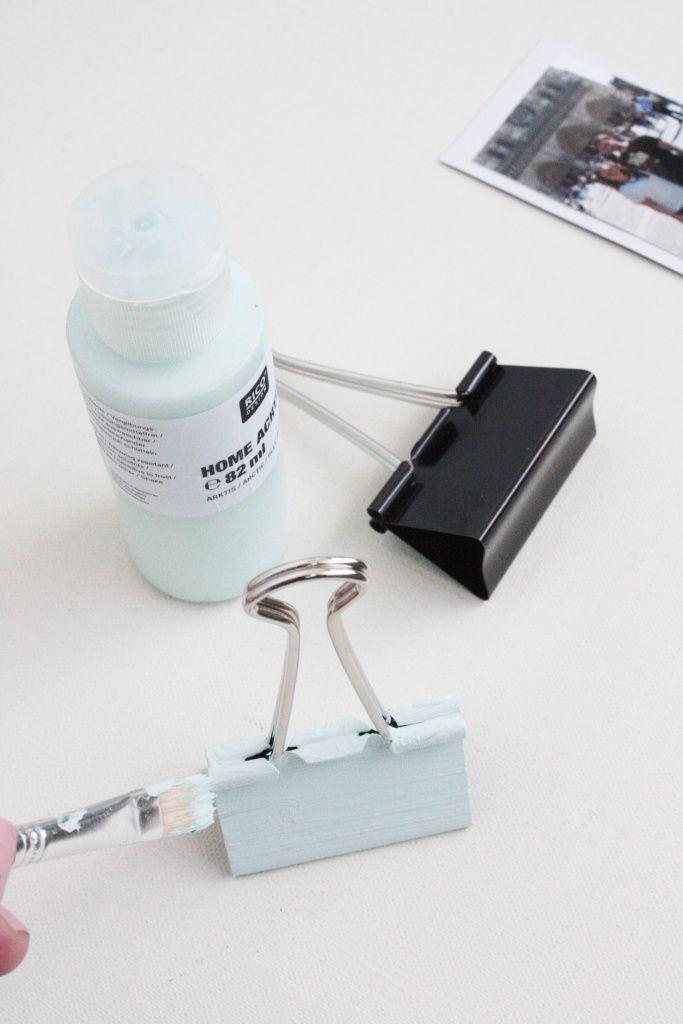Eine einfache Geschenkidee: Polaroid Fotohalter basteln. Hier findet ihr eine tolle Anleitung von Rosyandgrey für pastellfarbene Fotohalter.