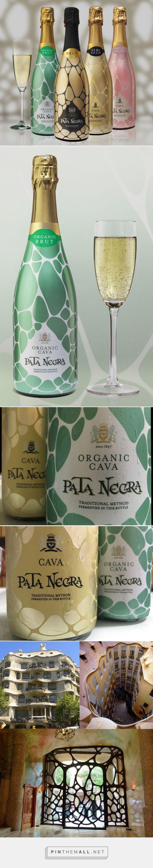 Cava Pata Negra Wine - Packaging of the World - Creative Package Design Gallery - http://www.packagingoftheworld.com/2016/10/cava-pata-negra.html