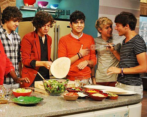 yummmyyy food  yummmyyy boys