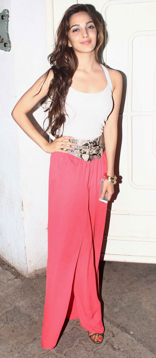 Kiara Advani at a special screening of her film 'Fugly'. #Style #Bollywood #Fashion #Beauty
