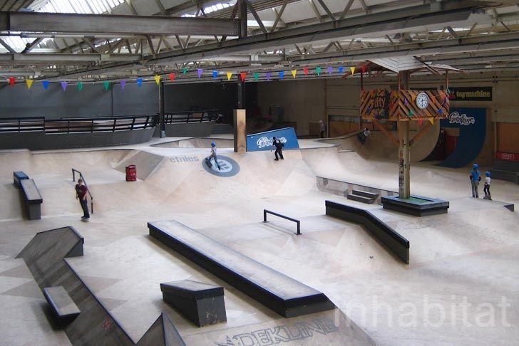 AreaFiftyOne-Wooden-Skate-Park-Eindhoven-1.jpg (728×486)