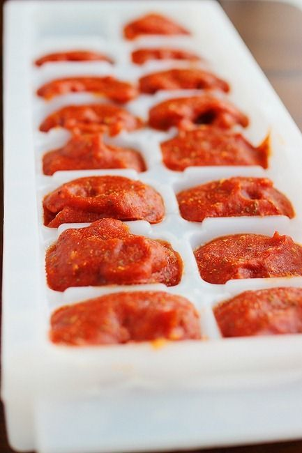 Save leftover pasta sauce in an ice cube tray! #cooking #pasta #DIY