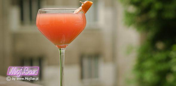 M.G.F. Mocny cytrus: wódka cytrynowa - 20ml, wódka mandarynkowa - 20ml, grejpfrutowy sok - 20ml, cytryna sok - 20ml, syrop cukrowy - 10ml  Przepisy na drinki znajdziesz na: http://mojbar.pl/przepisy.htm