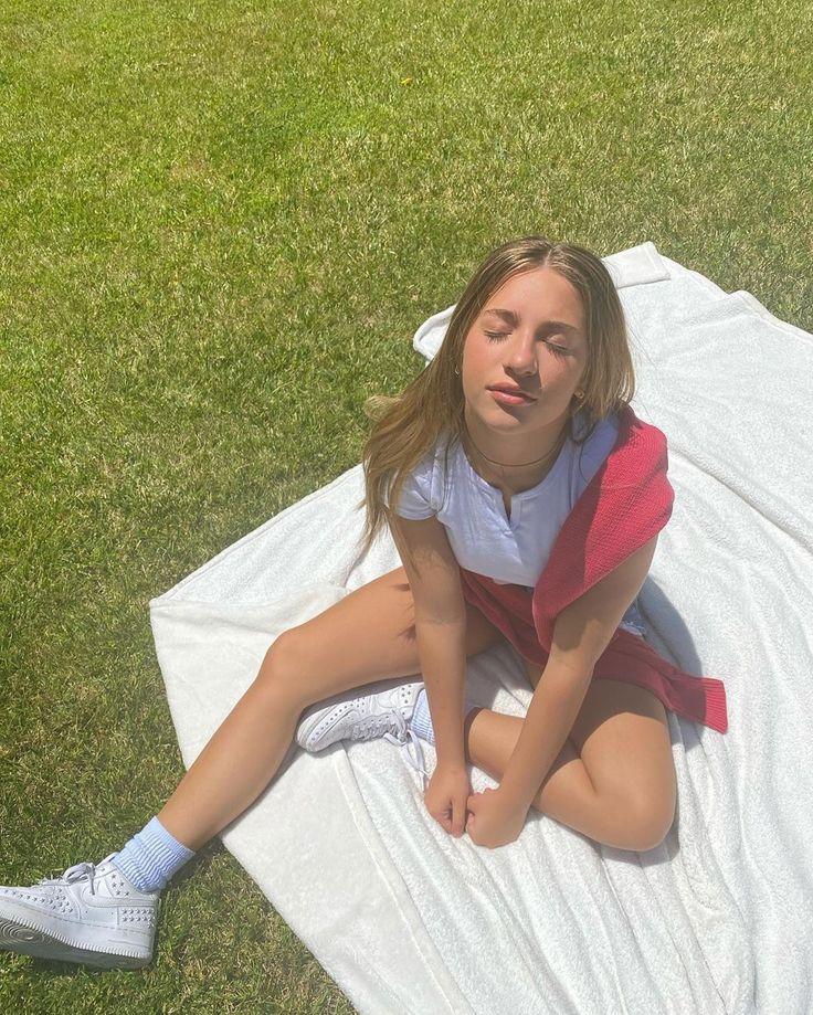 Young asian teen models-porn Pics & Moveis